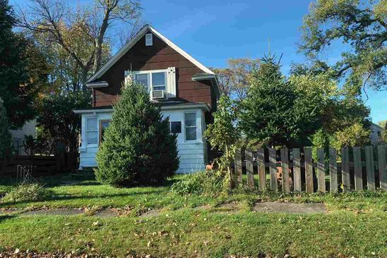 3 bed 1 bath Single Family at 27 BELMONT ST MASSENA, NY, 13662 is for sale at 58k - google static map
