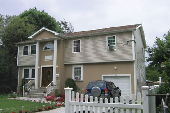 5 bed 3 bath Single Family at 122 E PENNYWOOD AVE ROOSEVELT, NY, 11575 is for sale at 400k - google static map