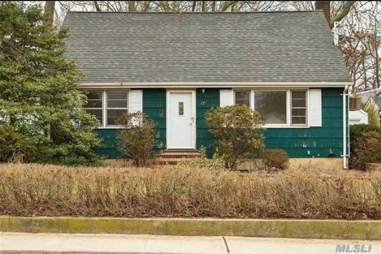 4 bed 1 bath Single Family at Undisclosed Address HUNTINGTON STATION, NY, 11746 is for sale at 320k - google static map