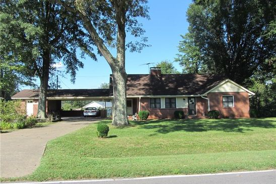 2 bed 2 bath Single Family at 770 DODGE LOOP MADISON, NC, 27025 is for sale at 125k - google static map