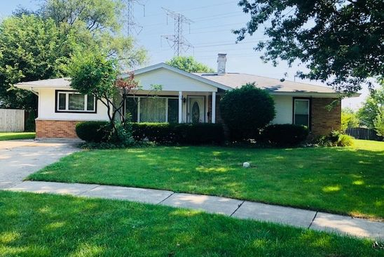 3 bed 2 bath Single Family at Undisclosed Address ELK GROVE VILLAGE, IL, 60007 is for sale at 300k - google static map
