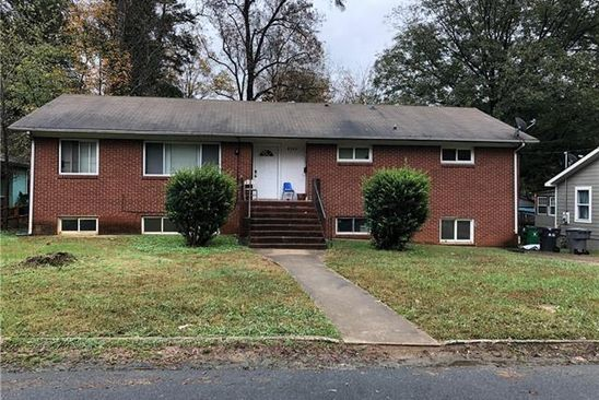 4 bed 2 bath Single Family at 1818 KENNESAW DR CHARLOTTE, NC, 28216 is for sale at 175k - google static map