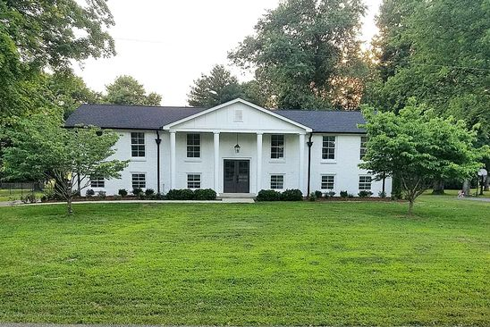 4 bed 3 bath Single Family at 120 WILLIAMSBURG PL FRANKLIN, TN, 37064 is for sale at 530k - google static map