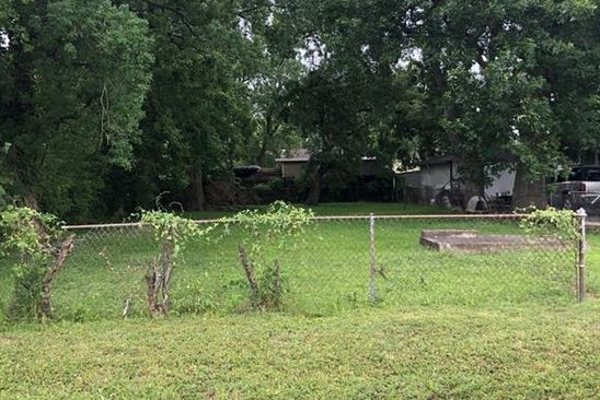 3 bed null bath Vacant Land at 126 E 39th St Houston, TX, 77018 is for sale at 170k - google static map