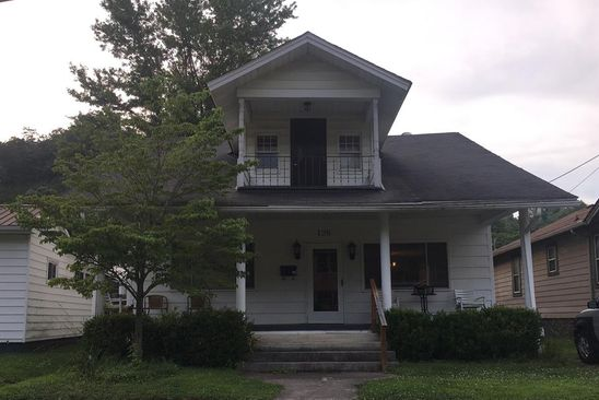 5 bed 2 bath Single Family at 126 Park St Pikeville, KY, 41501 is for sale at 139k - google static map