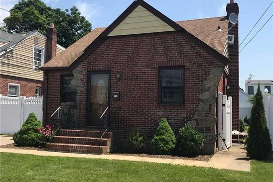 4 bed 1 bath Single Family at Undisclosed Address FRANKLIN SQUARE, NY, 11010 is for sale at 499k - google static map